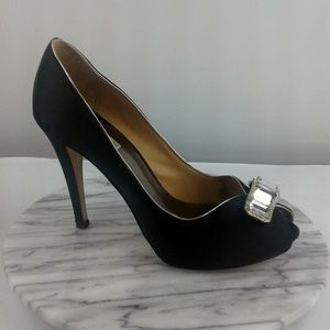 Badgley Mischka Womens Size 10 Black Satin Pumps